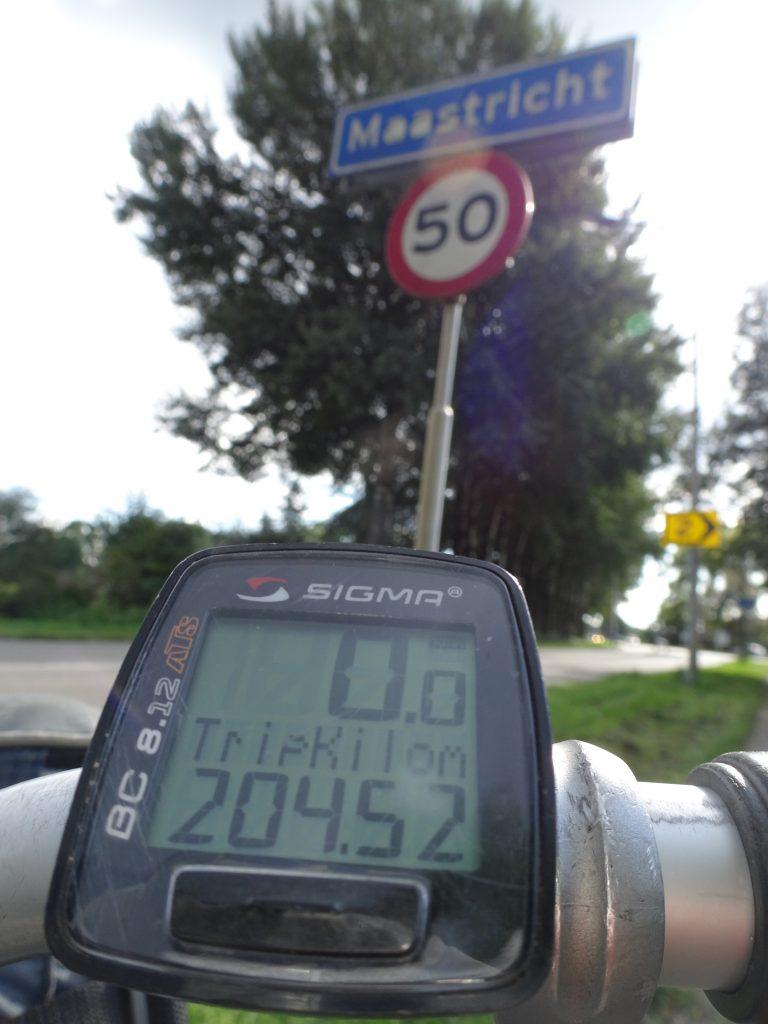 maastricht gehaald, 204,52 km gereden en nog enkele kilometers te gaan tot de binnenstad