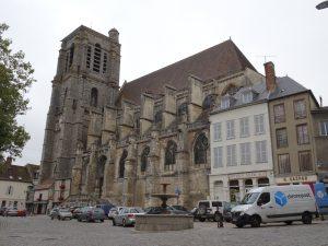 Sezanne naar Mery sur Seine jkerk buiten