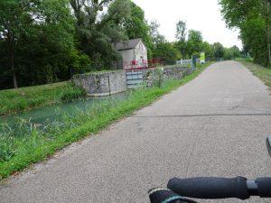 Mery-sur-Seine naar Troyes kanaal  toegankelijke vissteiger