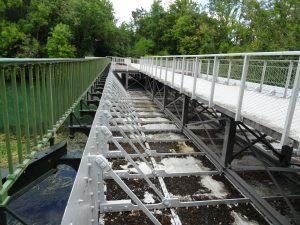 Mery-sur-Seine naar Troyes kanaal loopt over brug 2