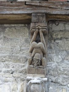 Mery-sur-Seine naar Troyes, troyes vakwerkhuis details 2