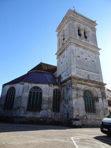 Chablis naar Accolay kerk cravant