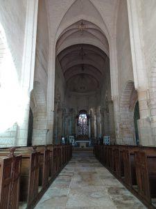 Chablis naar Accolay  kerk cravant binnen-1