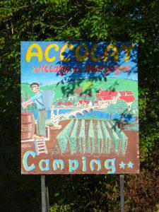 Chablis naar Accolay  bord camping