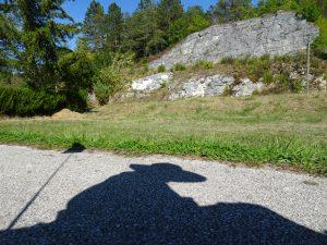 Accolay naar Châtel Censoir schaduw rots