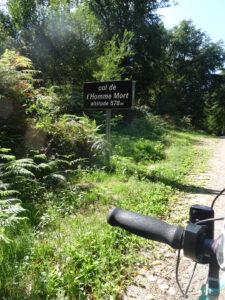 bergpas onderweg Marigny-l'Eglise naar brassy
